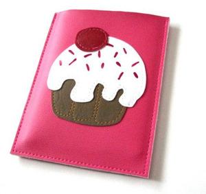 Cupcake_passport_case
